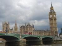 英國大笨鐘開始傾斜 4000年後將成比薩斜塔第二