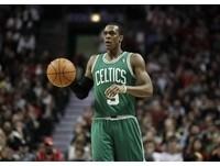 NBA/塞軍朗多背後長眼 鬼之助攻連球員也瘋狂