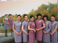 空姐陪你1整年 華航2012月/桌曆e-Mall首賣