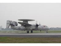 E-2K首次納入戰備道起降操演 CH-47D運補吸睛