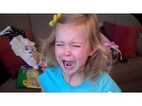 一聽到「迪士尼」 小女孩感動到飆淚大哭