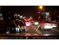 男友開車被3惡煞打 女罵:叫你別鬧,他們那種是台客