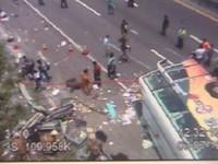 遊覽車國道翻覆駕駛喪命 陸客團15人輕重傷