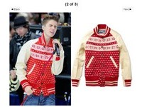 小賈斯汀表演忘詞頗尷尬 超貴聖誕外套被譏醜吱吱