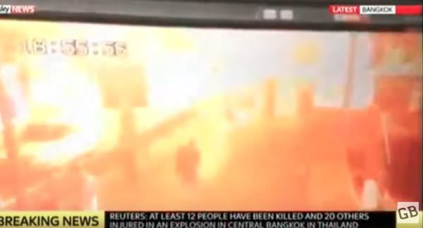 曼谷爆炸第一時間畫面曝光 王仁甫曼谷遇爆炸驚魂未定_03