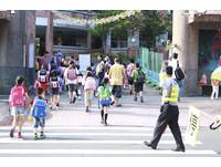 小學外掃區是社會黑暗縮影?網:小正妹地位大過媽祖婆