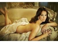 英國42歲美魔女全裸秀身材 自信性感不輸少女