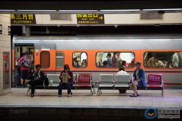 高鐵8日零時開放春節購票/台鐵春節 離峰時段推7折紅眼列車_02