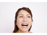 哈哈哈...大聲笑是假裝開朗? 4種「笑的方式」看出性格