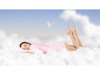 「趴睡」容易做春夢? 研究:束縛感勾起性聯想