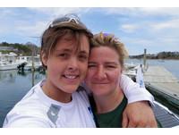 史無前例!英女划船騎單車繞地球 順便太平洋中央求婚