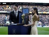 世界盃橄欖球獎杯超尊貴 放LV硬箱內好好保護