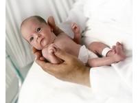 勸墮胎婦生子來賣 印「嬰兒農場」一個寶寶4萬元