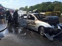 快訊/北二高土城段4車連環撞冒火!一男活活燒死車內