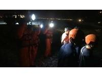 花蓮溪口深夜捕鰻魚苗翻船 今晨尋獲船長遺體