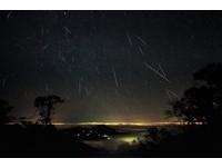 縮時紀錄雙子座流星雨美景 每小時120顆數都數不完!