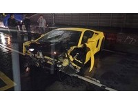 藍寶堅尼「小牛」撞毀 18歲小女生自稱駕駛疑頂包