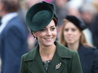 凱特王妃溼冷冬天包緊緊 大衣+腰帶超顯瘦