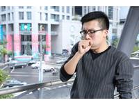 老菸槍「肺功能只剩3成」 走10公尺就喘、一笑就咳