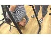 倒立、彎腰、前傾 粉領族練瑜伽練到險瞎!