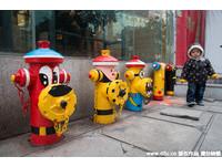 南京街頭「最萌消防栓」 網友質疑:這又不是裝飾品!