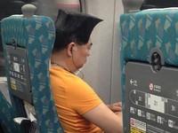 南下高鐵驚遇「方頭哥」 網友讚帥爆:大哥要回家投票嗎