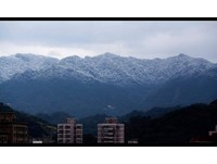 三峽三層坪朦朧絕美雪景 桃園龜山市區竟也傳下雪!?