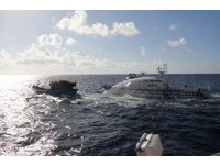 太平島海巡射水炮 強勢驅離越南漁船護領海