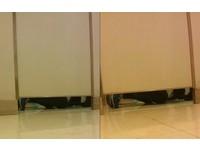 求婚?百貨公司男廁所擠2人 1人跪地1人站