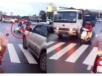 婦這樣騎車被封無敵三寶 網:可列入年度十大經典影片