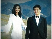王菲六年前婚紗照曝光 李亞鵬中年發福慘遭毒舌
