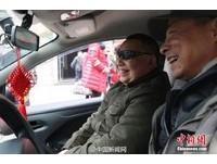 湖北33名盲人返家難 計程車隊免費送他們回家!