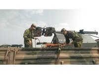 把握黃金時間! 國軍出動5組照明尾車持續夜間搜救