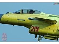 「殲-10B」生產線火力全開? 219號機試飛照曝光