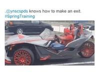 沒人比我趴 賽佩達斯駕「蝙蝠車」春訓