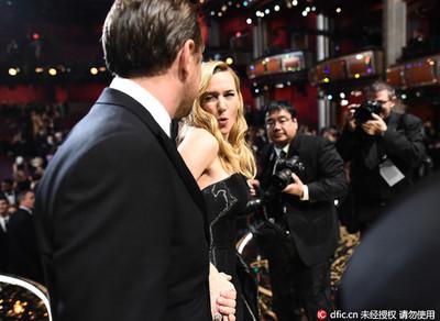 溫絲蕾❤的啾咪李奧納多 6個《鐵達尼》情侶動人畫面