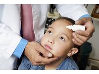 眼睛乾靠人工淚液會產生抗藥性 「補充好油」才是關鍵