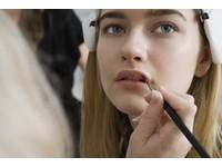 腦補女孩化妝有「2大亮點」 無知男生被嗆翻:根本眼殘
