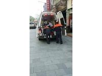 老翁理髮險進鬼門關 消防員隔空指揮老闆做CPR救回