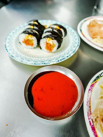 一賣就是50年!大稻埕台式「壽司」、柴魚風味味噌湯