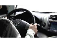 Uber低價搶客罰不怕!高雄計程車公會祭千元檢舉獎金