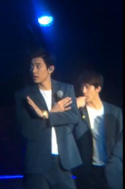 EXO上海开唱主办方出包一团乱 灿烈暖心举动护粉丝