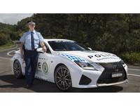 澳洲警察真好命 開Lexus跑車打擊犯罪