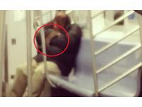 紐約地鐵車廂驚見大老鼠! 囂張爬熟睡乘客身上