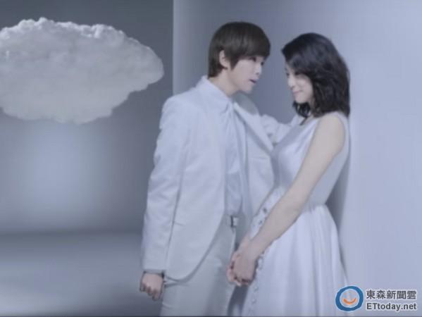 「琵亞諾」白馬王子壁咚賴雅妍!粉絲美哭又被帥暈
