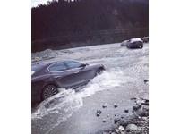 土豪號召10台瑪莎拉蒂闖川藏險路 保險公司可能要哭了