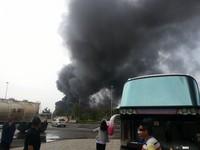 西湖服務區旁塗料工廠大火 「爆炸竄濃煙」遮國道視線