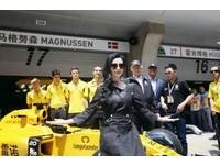 藝人也來朝聖 范冰冰 林俊傑現身F1上海站