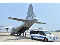 中國軍機首次公開降落永暑礁 驚現該島繁華街景