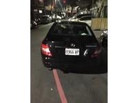 警攔查酒駕賓士車佯配合 衝撞逃逸警開槍